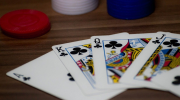 Why You Should Play Blackjack Online Instead of Real Casinos